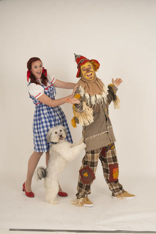 Ashleigh and Pudsey (Dorothy and Toto) and Lloyd Hollett (Scarecrow)