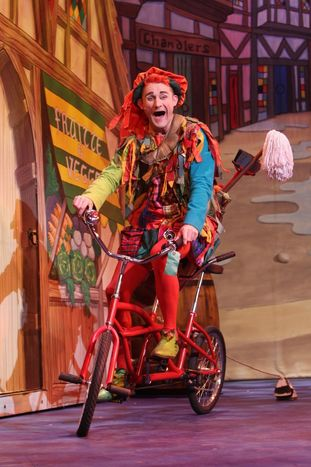 Tweedy in Dick Whittington 2012/13